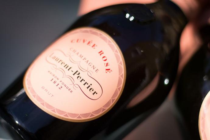 JAL、羽田・成田の国際線ファーストラウンジで限定シャンパン